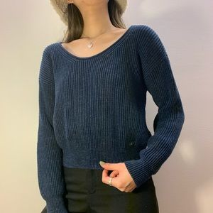 Abercrombie & Fitch cropped blue vneck sweater